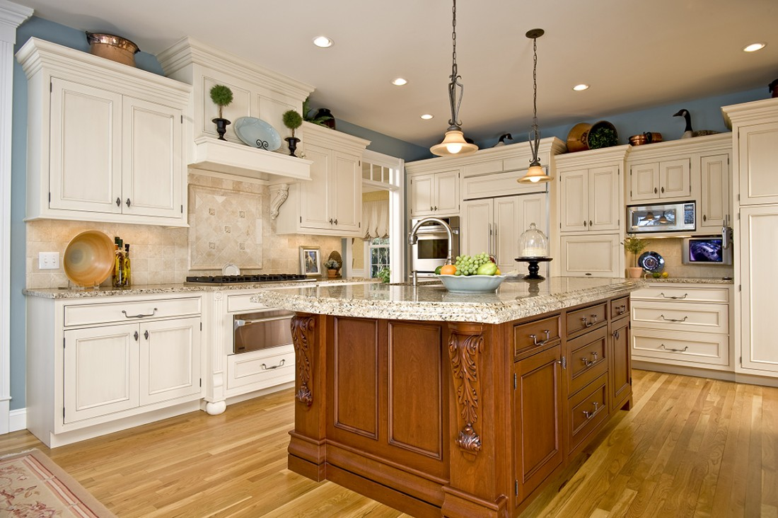 Custom Cabinetry West Hartford CT - Remodeling Contractors | Holland Kitchens & Baths - HOLLAND_021108_B0018